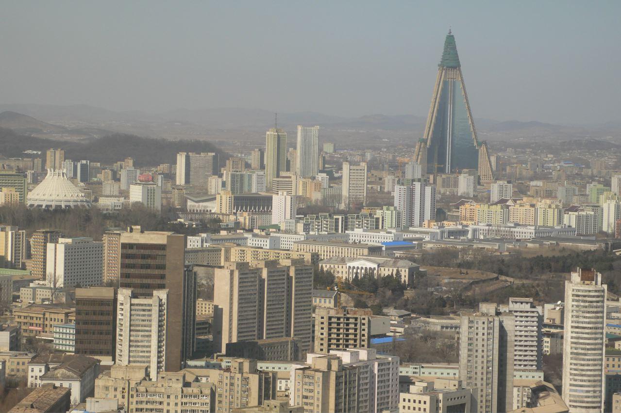 ryugyong-feb-2009.jpg